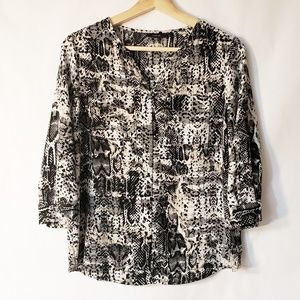 Apt 9 Black Gray and White Blouse Small